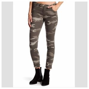 Camouflage Moto Twill Zip Ankle Pants Size 16